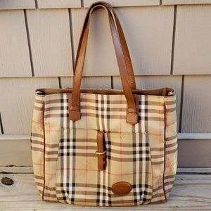 Burberrys North South Tote Bag